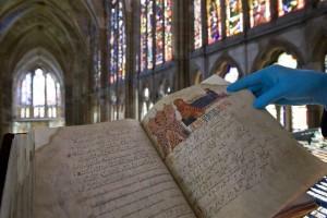 Valioso códice medieval que se encuentra en la catedral de León.