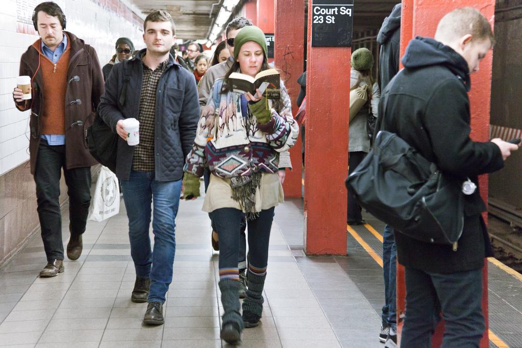 Los lectores pueden ser captados en los andenes, en el metro o en la entrada de éste