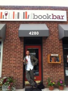 Así luce la entrada principal del BookBar