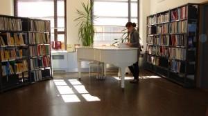 """Piano para los """"lectores"""""""