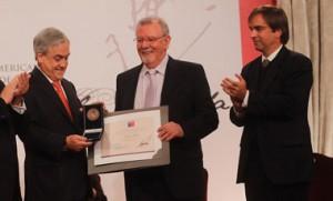El año 2011 recibió el premio Pablo Neruda