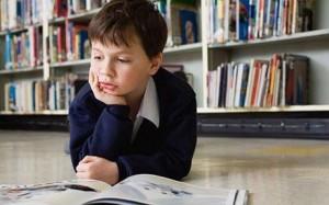 Los niños pueden leer en la sala, como también llevarse los libros a sus casas